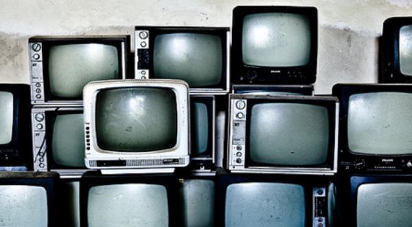 Au-delà du service public. Pour une histoire élargie de la télévision en Suisse, 1960-2000